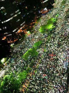 A Internet muda a vida das pessoas, e as pessoas mudam a vida de um país! Brasil - Junho/2013 - vamos mudar o Brasil!
