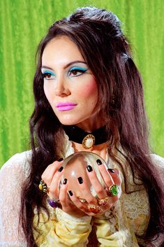 Samantha Robinson caressing her crystal ball in the film 'The Love Witch'. Elizabeth Montgomery meets Diana Rigg meets Russ Meyer meets 'The Wicker Man' - brilliant. Witch Makeup, Eye Makeup, Hair Makeup, Skull Makeup, Movie Makeup, Janis Joplin, Makeup Inspo, Makeup Inspiration, The Love Witch Movie