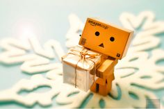 cute amazon box robot | Cute Box Robot Christmas Danbo is the cutest ever :)