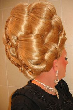 DENISE UPDO REAR VIEW #BouffantHairBeehive