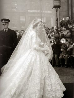 Jane O'Neil's wedding dress, 1953