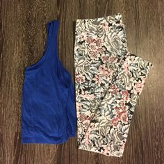 Floral leggings These sit a little higher on the waist and are super comfortable! Size large but they run on the small side. There is some pilling on the backside and crotch area. American Eagle Outfitters Pants Leggings