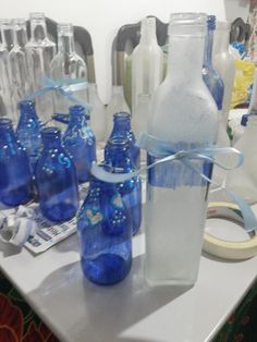 Estes foram os vasinhos do casamento da minha irmã, vidros de leite de coco e azeite.
