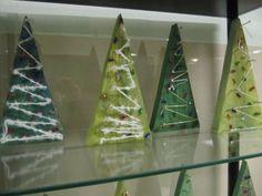 Joulukuuset Puupalikat, nauloja, maalia ja lankaa. Christmas Art Projects, Christmas Crafts To Make, Diy And Crafts, Crafts For Kids, Arts And Crafts, Advent, Scout Mom, String Art, Fine Motor
