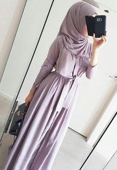 Lilac abaya giving a silhouette - check out: Esma <3