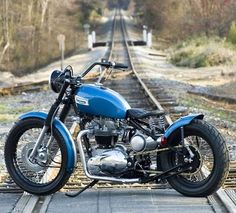 Triumph | Bobber Inspiration - Bobbers and Custom Motorcycles | triumphbikes August 2014                                                                                                                                                                                 More