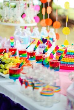 My Little Pony Rainbow Birthday Party {Ideas, Decor, Styling} My Little Pony Birthday Party, 5th Birthday Party Ideas, Rainbow Birthday Party, Girl Birthday, My Little Pony Cumpleaños, Fiesta Little Pony, Fiesta Rainbow Dash, Rainbow Unicorn Party, Candy Party