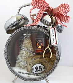 Create a nostalgic Christmas look with this DIY Christmas Assemblage Clock fro…