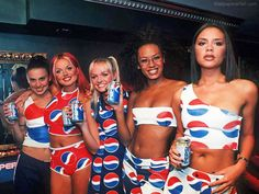 Spice Girls' promotion of the Pepsi Cola brand. Spice Girls, Victoria Beckham, Mtv, Baby Spice, Geri Halliwell, Best Abs, Girl Bands, 90s Kids, Gisele