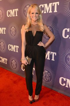 Carrie Underwood Photo - 2012 CMT Artists Of The Year - Arrivals