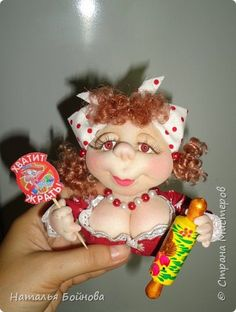Для  любителей  покушать ночью)) Notre Dame Irish, Sewing Projects, Craft Projects, Arts And Crafts, Paper Crafts, Doll Patterns, Doll Clothes, Dolls, Handmade