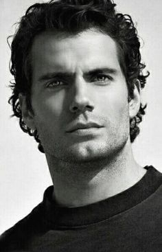 Henry Cavill- OMG those eyes!! N he has a gorgeous smile to go along with them!!
