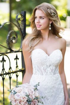 Courtesy of Martina Liana wedding dresses; 977 Strapless Lace Vintage Wedding Gown by Martina Liana Wedding Dresses 2018, Wedding Dress Styles, Bridal Dresses, Flower Girl Dresses, Martina Liana, Blush Bridal, Glamour, Bride Look, Trends
