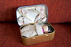 Altoid tin: Tiny doll in a box Tin Art, Luanna, Tiny Dolls, Preschool Toys, Project 3, Happy Birthday, Dose, Games For Kids, Toddler Bed