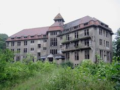 Schwerin - Abandoned spa hotel by .patrick., via Flickr