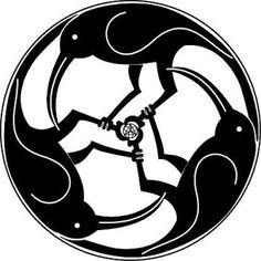 41 New Ideas For Tattoo Bird Men Blackbird Crow Art, Raven Art, Bird Art, Graphic Pattern, Raven Tattoo, Tattoo Bird, Bird Quilt, Crows Ravens, Celtic Tattoos