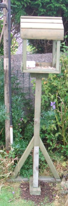 Bird table. Pallet and other scrap wood