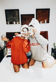 Photos for best friends. photos in bed - Bff Pictures Bff Pics, Photos Bff, Cute Friend Pictures, Best Friend Pictures, Cute Photos, Roommate Pictures, Sister Photos, Family Pictures, Shooting Photo Amis
