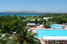 The Caravia Beach resort on the Greek Island of Kos is in a stunning location. The Caravia Beach Hotel has marvellous outdoor swimming pools all of which is a stone's throw away from the calm Aegean sea and sandy beaches.