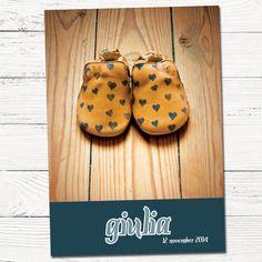 geboortekaartje met schoentjes geïnspireerd door kaartje uit vast aanbod | foto | grafisch | ontwerp | hout