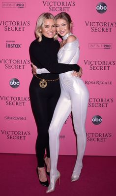 Pin by Polly Chan on Gigi Hadid Bella Hadid, Modelos Victoria Secret, Anton, Gigi Hadid Style, Victoria's Secret, Vs Fashion Shows, Victoria Secret Fashion Show, Nylons, Supermodels