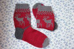 Deer Ornamented Thick Wool Handknitted Adult Socks by PellMellShop