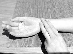 Truque dos 3 Dedos: o fim da ansiedade, enjoo e insônia   SOS Solteiros