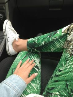 converse chucks with printed jeans