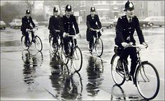 Dave Moulton's Bike Blog: Bobbies on Bicycles