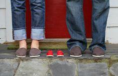Cute idea for a family photo (that announces pregnancy)