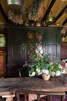 60 Meilleures English Cottage Photos et images - Cute cottage kitchen dining area - Style Cottage, English Cottage Style, English Country Cottages, English Country Decor, French Cottage, Cottage Living, Cozy Cottage, Cottage Homes, French Country