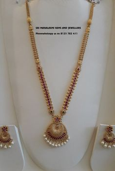Check Out These Small (& Stunning) Gold Necklace Designs Gold Chain Design, Gold Bangles Design, Gold Earrings Designs, Gold Jewellery Design, Necklace Designs, Designer Jewelry, Beaded Jewelry Designs, Diamond Jewellery, Designer Wear