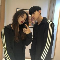 Read 3 from the story Avt ulzzang couple ❤️ by (Linh) with 25 reads. Mode Ulzzang, Ulzzang Korean Girl, Ulzzang Couple, Cute Couples Goals, Couple Goals, Kim Bo Bae, Love You Friend, Girl Couple, Couple Style