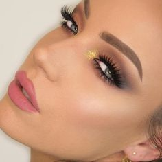 Gorgeous Look With Gerard Cosmetics Rodeo Drive Lipstick and Marilyn Star Powder! Flawless Face, Flawless Makeup, Gorgeous Makeup, Makeup Eye Looks, Eye Makeup, Hair Makeup, Gerard Cosmetics, Bh Cosmetics, Eye Contour