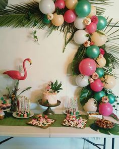 Balloon garland - tropical - flamingo - party - party treats