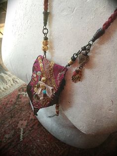 Quisnam - Gypsy beaded pouch necklace embroidered leather kuchi