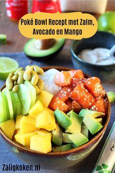 Ben jij ook zo fan van de poké bowl-hype? 😍 Poké bowls zijn al een tijdje razend populair. Het kan zo het makkelijke zusje van sushi zijn en je kan er erg veel mee variëren 👌🏻🤗 Vandaag heb ik een poké bowl recept voor jullie met zalm, avocado, mango, komkommer en sojabonen. Daarnaast heb ik een hele lekkere pittige mayonaise saus gemaakt en een dressing voor de zalm 🤤 Easy Healthy Recipes, Easy Meals, Types Of Salad, Sushi Bowl, Poke Bowl, Meal Prep, Paleo, Tasty, Favorite Recipes