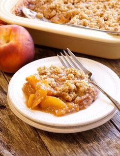 peach crisp on a plate The post Gluten-Free Peach Crisp (Vegan Paleo) appeared first on Orchid Dessert. Gluten Free Peach Crisp, Healthy Peach Crisp, Easy Peach Crisp, Healthy Peach Cobbler, Apple Crisp, Dessert Party, Paleo Dessert, Vegan Desserts, Delicious Desserts