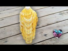 Châles au crochet LidiaCrochetTricot - YouTube Knitted Shawls, Crochet Shawl, Crochet Stitches, Lidia Crochet Tricot, Crochet Diy, Crochet Ideas, Free Pattern, Knitting, Youtube