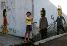 STREET ART • Des Lego illégaux