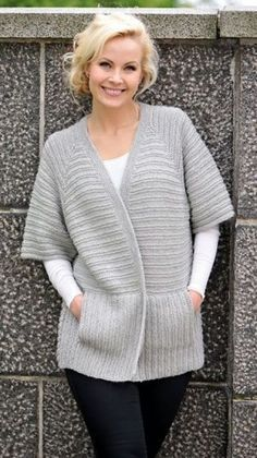 Diy Crafts - knitting,cardigan-Flawless Elegant Clothes from 23 of the Gorgeous Elegant Clothes collection is the most trending fashion outfit this se Cardigan Pattern, Crochet Cardigan, Modest Fashion, Fashion Outfits, Diy Kleidung, Crochet Woman, Elegant Outfit, Elegant Girl, Knit Fashion