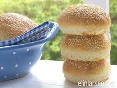 Deilige hamburgerbrød | Elin LarsenElin Larsen Salmon Burgers, Hamburger, Ethnic Recipes, Salmon Patties, Hamburgers, Burgers, Loose Meat Sandwiches