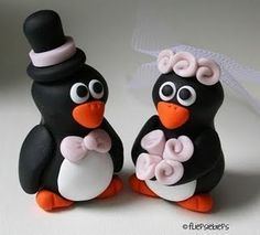 Love these penguin cake toppers!