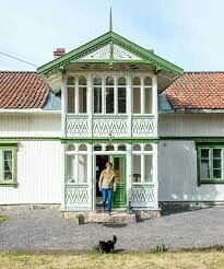 Sveitserhus Home Fashion, Cabin, Mansions, House Styles, Outdoor Decor, Home Decor, Decoration Home, Manor Houses, Room Decor