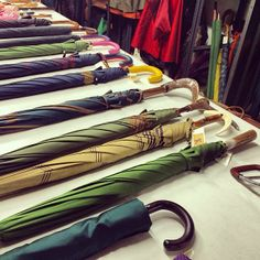 Live from Ombrelli Francesco Maglia 1854 Atelier! Discover and shop these luxury umbrellas at WWW.FINAEST.COM! | #finaest #umbrella #francescomaglia #style #dandy #pitti #magliaumbrella #parapluie #colorful #handcreafted