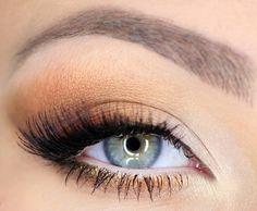 Morelowy makijaż na studniówkę 2013 (WIDEO) - Artykuł