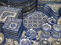 Blue morocco ( I have blue willow at the cabin, maybe blue morocco for the cottage? Moroccan Design, Moroccan Decor, Moroccan Style, Moroccan Blue, Blue And White China, Blue China, Love Blue, Delft, Kintsugi