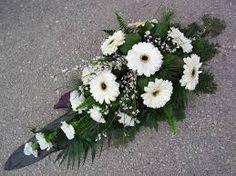 """Képtalálat a következőre: """"urnadísz készítése"""" - min side Table Flower Arrangements, Funeral Flower Arrangements, Artificial Flower Arrangements, Beautiful Flower Arrangements, Floral Centerpieces, Artificial Flowers, Beautiful Flowers, Grave Flowers, Cemetery Flowers"""