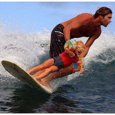 5 Tips To Teach Your Kid To Surf. tips and tricks how to surf with children Surf Mar, Wind Surf, Surfs Up, Best Dad, Belle Photo, In This Moment, Pure Products, Adventure, Cool Stuff