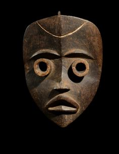 Africa | Face mask from the Dan people | Wood | 20th century